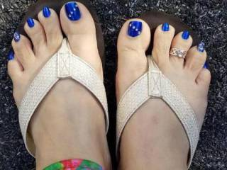 Her sexy toes