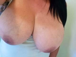 simply beautiful hun...mmmmmm...perfect natural tits !!