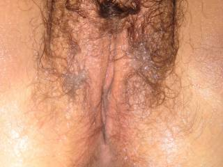 LOVE that HOT, hairy pussy!!! looks SO AWESOME and TASTY!!!