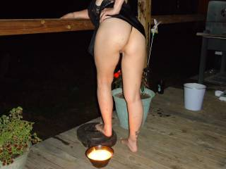 You got a very hot ass that I would love to smell and eat!!