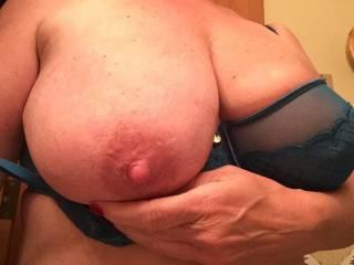 Those big beautiful tits, Id love to have the pleasure !!!