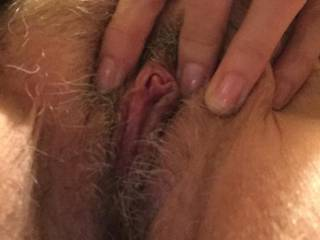 Dam that is some sweet hot wet tight mature looking pussy Mmmmmmm