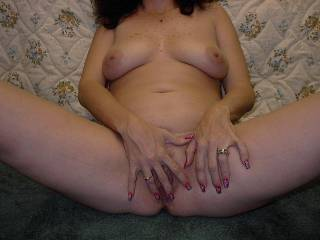 It is soo hot to watch a beautiful woman masterbate!! I would love to be there and cum on your great titties!