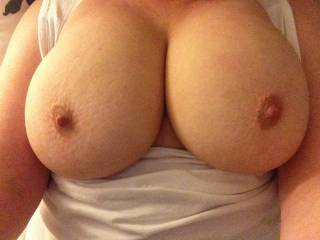 Wow! Very nice! I am stoking my cock good now! I would love to cum on those perfect nipples and rub my cum all over those tits!
