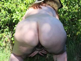 My big round bbw ass outdoors.