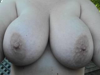 My boobs wanted a little fresh air and natural light this morning!! Would anyone love to cover them in cum? Tributes welcome!! 😘