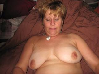 I would love to tit fuck her while she gives hubby a blow from above, with both of us finishing on her face