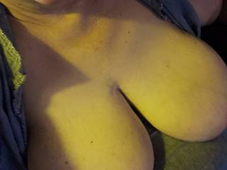 2020 I need a man to FUCK my boobs, l need to feel warm cum unloaded on my boobs to warn me up any takers pretty please ?