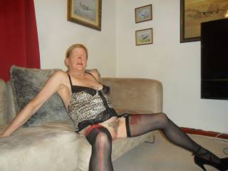 Hi all just me relaxing spreading my legs so you can have a look dirty comments welcome mature couple