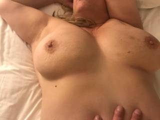 wanna cum suck and fuck the wifes big tits