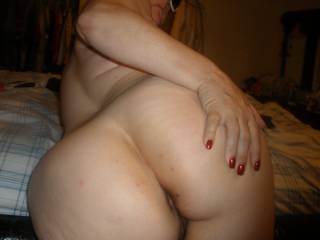 ummm so seXY......love to give your pussy na ass my TONGUE COCK N CUM :))) xXxx