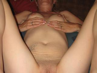 Love to lick that pussy while she is getting pounded like that