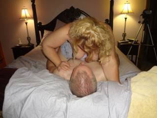 hotwife n riding hubby... the first time hubby went to visit
