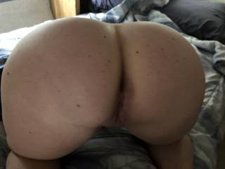 Grab that sexy ass and stuff her little pussy