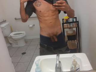 Just me in a picture.  I don\'t know if you agree with me but I thought someone else would like to see me and my cock.  I would love to see you and get my cock hard. I\'m open to all messages and questions I have a little curiosity and want to explore it