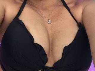 Quick boob shot while floating around pool