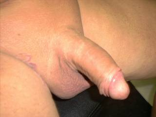I like the shave job, real good looking cock, be great to hav loads of fun.