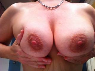 Cmon Zoinger- Mrs Seeker needs those huge cum ropes to fly all over her big mature milf titties! Who is game for a tribute?