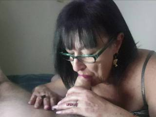 """Precious Quiet Time with """"LipsDick"""" 💋 💄 (Glasses/No mask, preferred by some chatters I spoke with recently 😉)"""