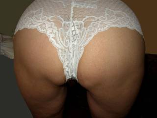 YES.. IT IS ONE OF MY FAVORITES... LOVE A PANTY COVERED ASS