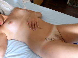 very hot.  great body, gorgeous pussy and tummy.  makes me wanna cum cum cum ...