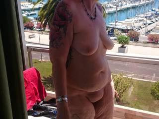 What a great body she has , just love that huge pussy mound !!!!