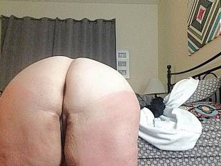 Her fast ass bent over and ready to get fucked!
