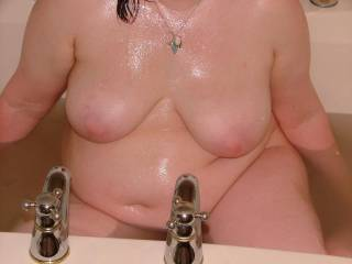 I'd love to join you in the bath or shower for some hot wet sexy fun