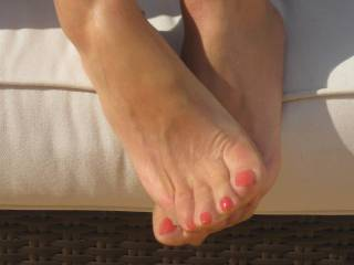 do you feel my mouth sucking on those sexy toes