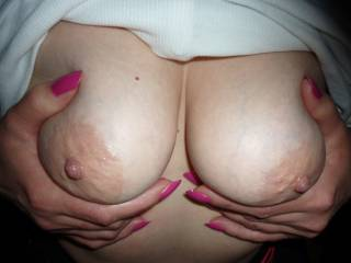 I want to Kiss, Lick and SUCK on your Beautiful NIPPLES... YUMMY...     Love and Kisses, Maryann (04-13-2015)