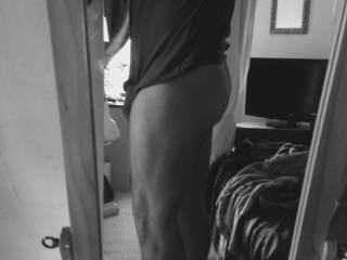 Ladies say I have a good ass, what do you say zoig ladies? X