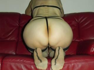 Wife presents her butt for teasing you to cum! Sie findet es geil, angespritzt zu werden...
