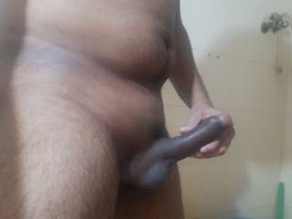 Need all sexy gay out there who loves to play with bbc, cum on it and tribute me..!!!