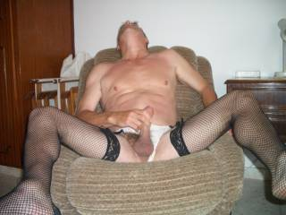 wanking in the chair after some zoig chat on line
