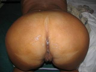 Yes Yes Dam what a big beautiful  sexy ass I love to add my thick load of creamy cum on your big ass mmmmmmm