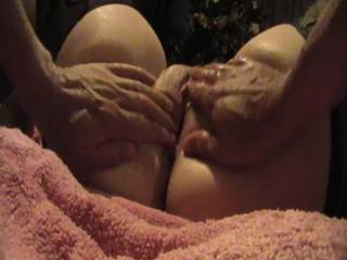 Mr Redwoods fingering my wet pussy until I cum .Would you like to play with my wet pussy ?