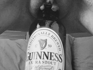 Nothing better than a Guinness & a redhead...unless it's the Guinness INSIDE the redhead 😈