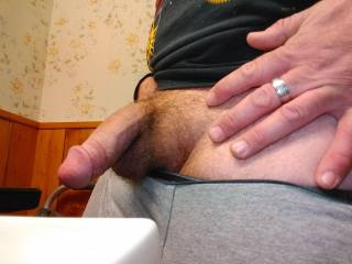 Getting horny on the bathroom for some reason. Wish you were here to play