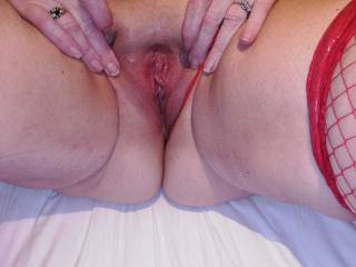 old pic of a married fuckbuddy spreading her pussy