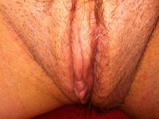 Love to see her shaved smooth, her pussy is a yummy shape .... Princess xx
