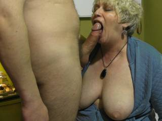 what an awesome sight, beautiful woman, mouth wide open with a yummy cock at the ready and an amazing sexy set of breasts. mmmmmmmmmmmmmmmm