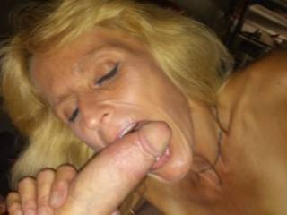 God I love older women... Know how to milk a dick