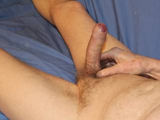 Once again my swollen glans is easing my foreskin back