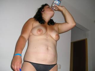 LOVE YOUR SEXY TITTIES... I WOULD LOVEW TO GIVE YOU SOMETHING TO RINSE WITH....