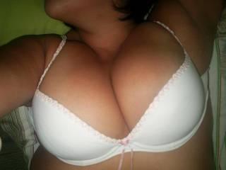 You like my white bra?