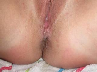 filled the wifes hot pussy full of cum!!!!