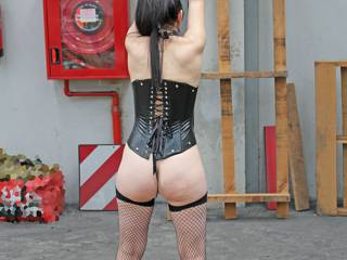 I'd like to help punish your sexy slave