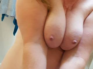 Any suggestions for what to do with this ample cleavage?