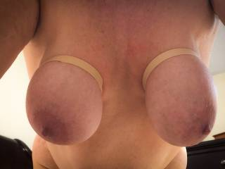 frontal of her hangers dangling for your viewing pleasure