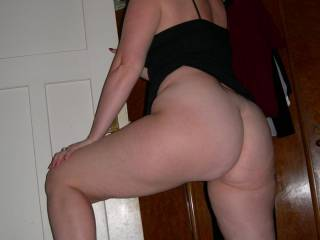 mmmm, you have a hot and sexy ass hunni.xxxx   Id love to cum and caress your hot ass....Kissing,licking and a gentle spank too..xxx